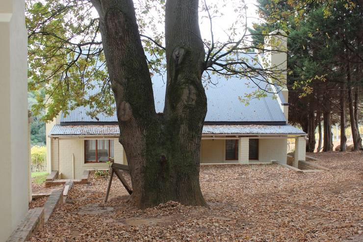 NOOIDGEDACHT FARM:  Houses by Covet Design, Classic