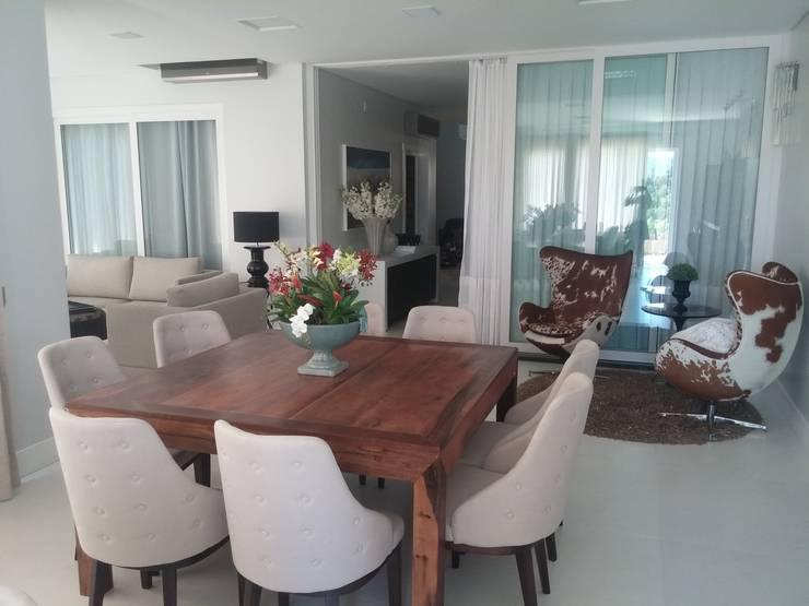 Residência de 600 m²: Salas de jantar modernas por TODDO Arquitetura e Engenharia