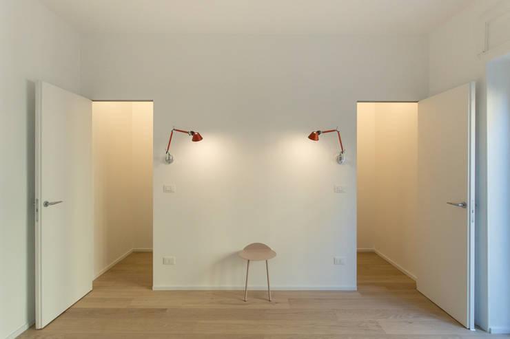 Bedroom by PLUS ULTRA studio