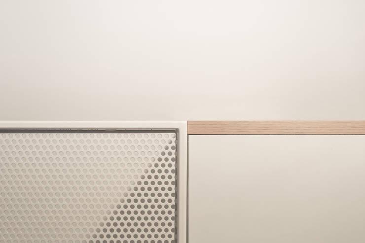 Corridor, hallway & stairs by PLUS ULTRA studio