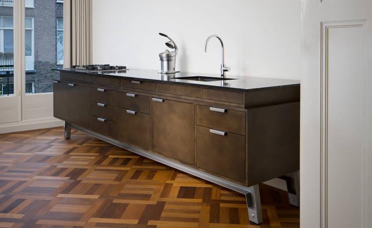 Keuken op pootjes:  Keuken door Vonder, Industrieel Hout Hout