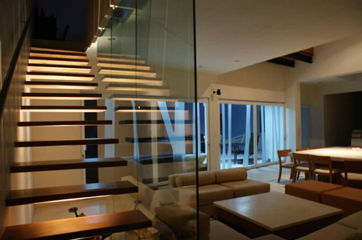 Malinalco : Salas de estilo  por BulAu , Moderno