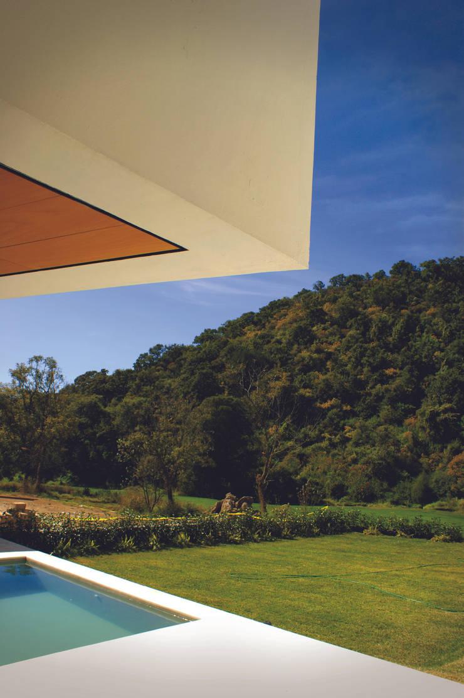 Malinalco : Albercas de estilo  por BulAu , Moderno