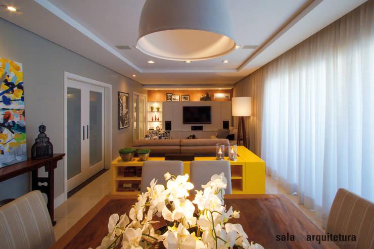 Apartamento J+R: Salas de estar modernas por Saladearquitetura