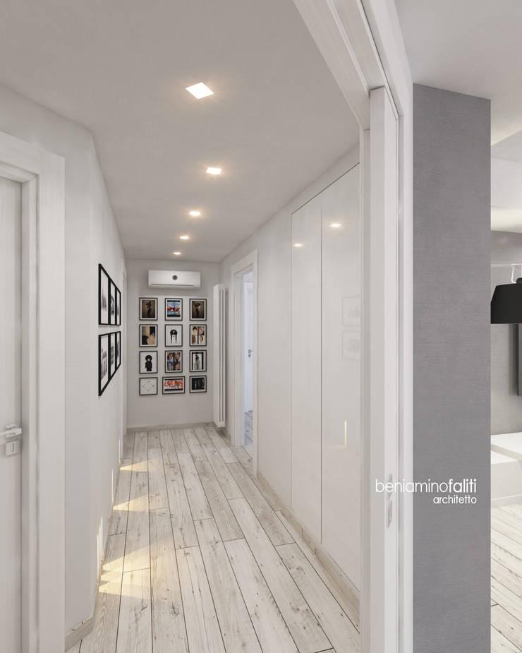 Corridoio disimpegno: Ingresso & Corridoio in stile  di Beniamino Faliti Architetto
