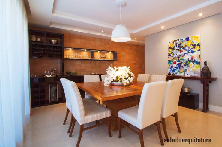 Apartamento J+R: Salas de jantar modernas por Saladearquitetura
