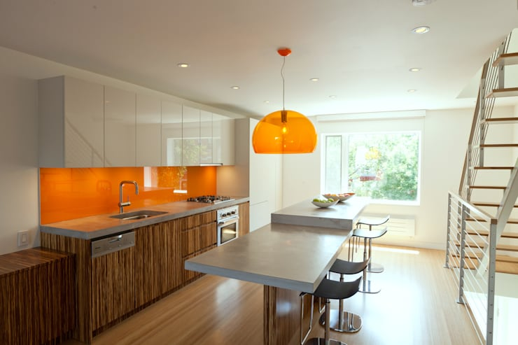 Carroll Gardens Duplex:  Kitchen by Sarah Jefferys Design