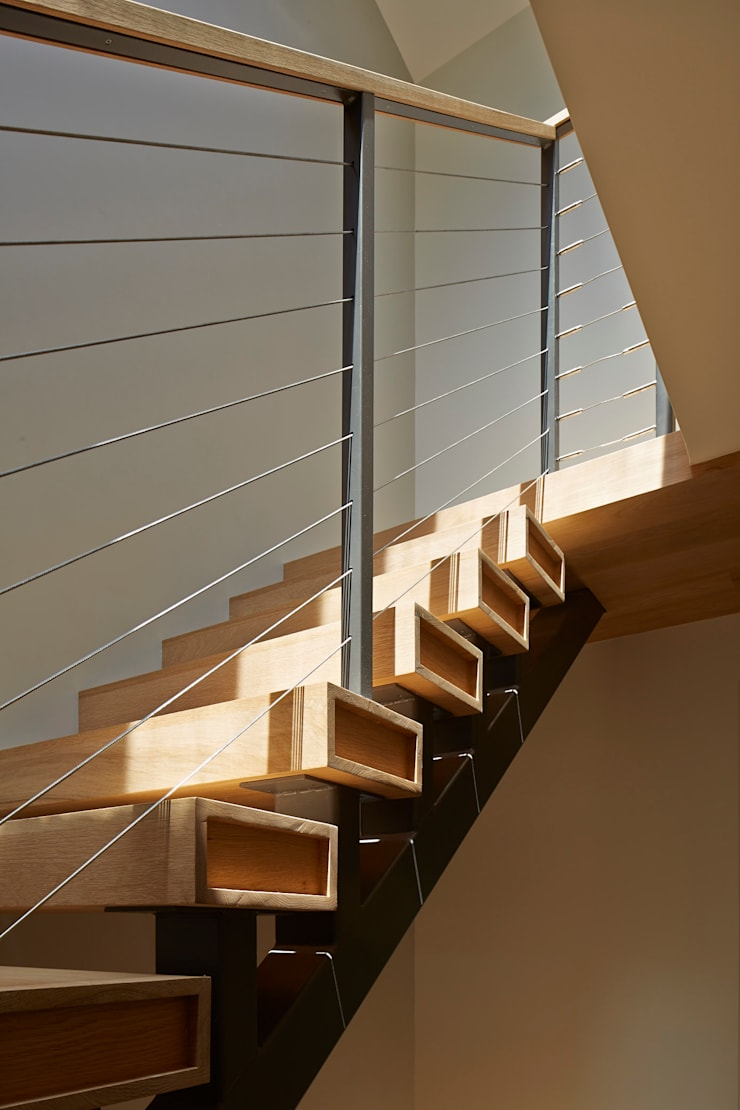 Cobble Hill Townhouse:  Corridor & hallway by Sarah Jefferys Design