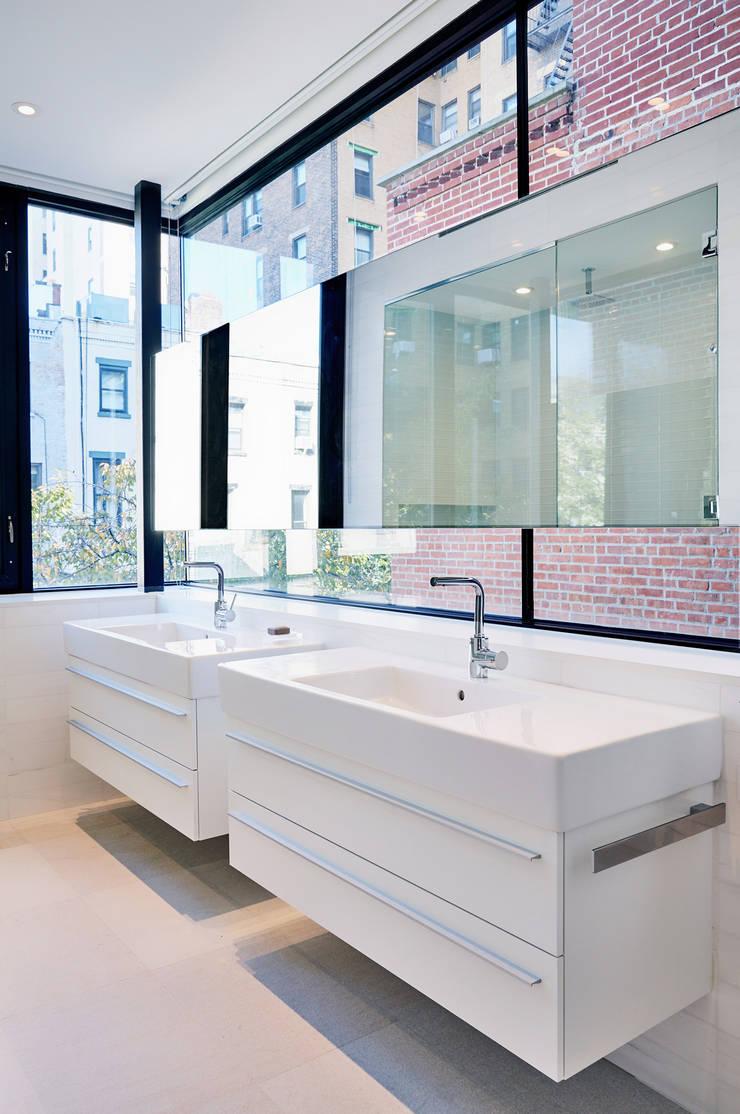 Park Slope Townhouse: modern Bathroom by Sarah Jefferys Design