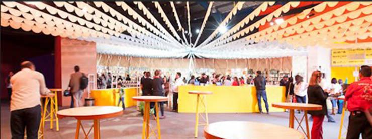 MOBILIARIO DERIVADO PARA UNA OFICINA:  de estilo  por Yemail Arquitectura