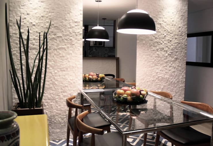 Dining room by Lúcia Vale Interiores, Eclectic Marble