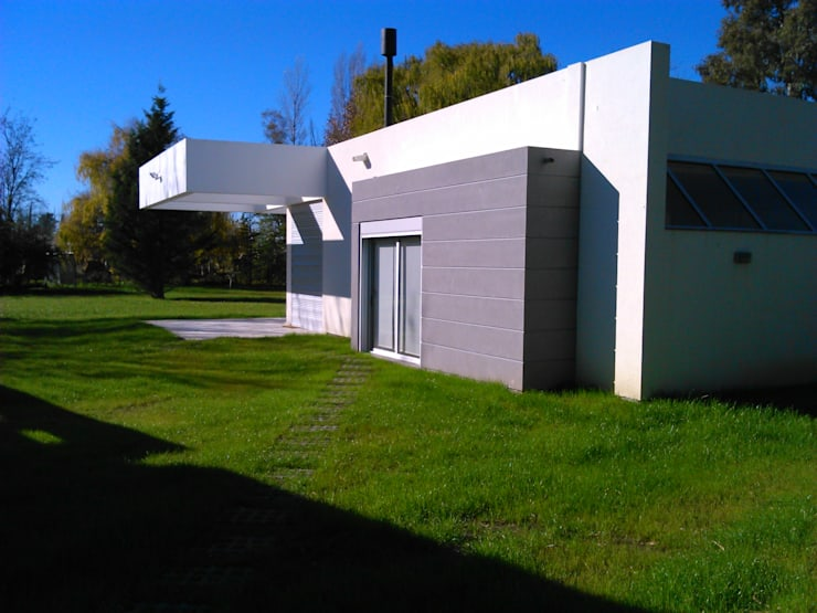 Häuser von STREMEL CONSTRUCCIONES SRL, Modern Ziegel