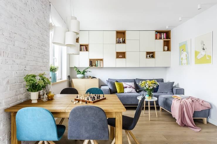 Livings de estilo escandinavo por Saje Architekci Joanna Morkowska-Saj