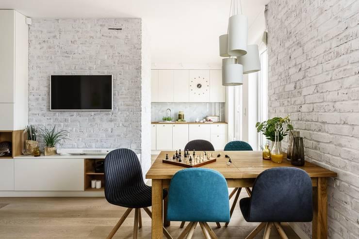 Salon, jadalnia, kuchnia: styl , w kategorii Salon zaprojektowany przez Saje Architekci Joanna Morkowska-Saj