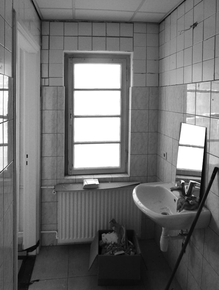 Privé badkamer:  Badkamer door STUDIO KALTOFEN, Modern