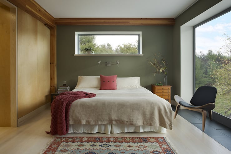 Bedroom: modern Bedroom by ZeroEnergy Design