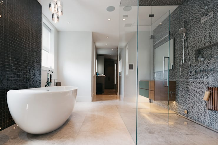 Bathroom by FLUID LIVING STUDIO