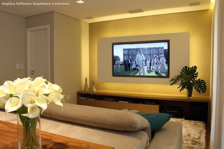 Salas / recibidores de estilo  por Angelica Hoffmann Arquitetura e Interiores