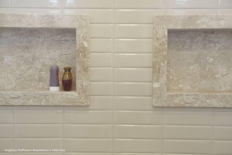 Baños de estilo  por Angelica Hoffmann Arquitetura e Interiores