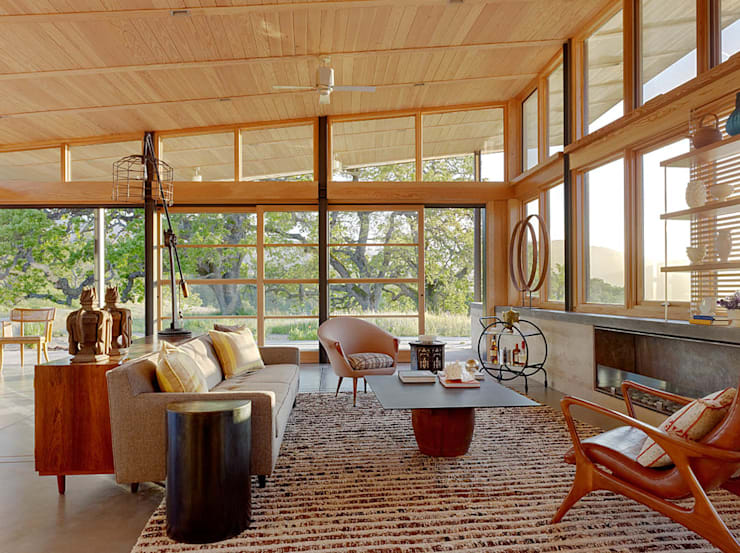 Caterpillar House: modern Living room by Feldman Architecture