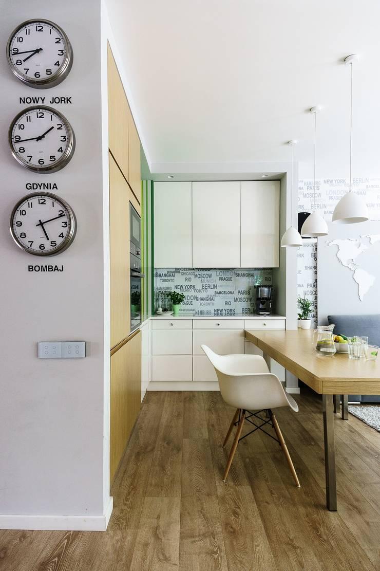 Modern Kitchen by Saje Architekci Joanna Morkowska-Saj Modern