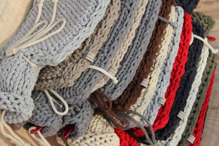 Termofor obrobiony sznurkiem bawełnianym: styl , w kategorii Sypialnia zaprojektowany przez Manufaktura pracownia artystyczna