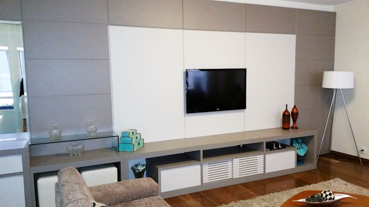Salas / recibidores de estilo  por DTE Arquitetura
