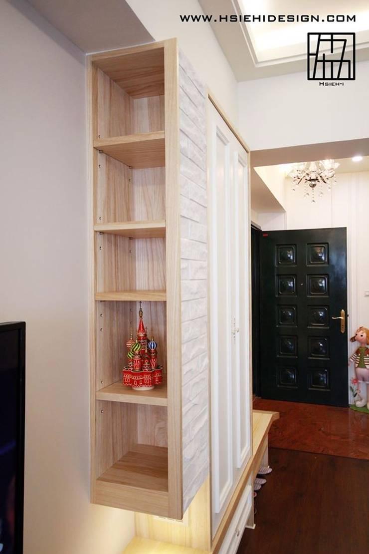客廳:  客廳 by 協億室內設計有限公司