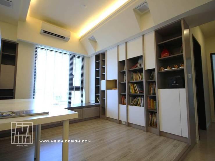 開放式書房:  書房/辦公室 by 協億室內設計有限公司