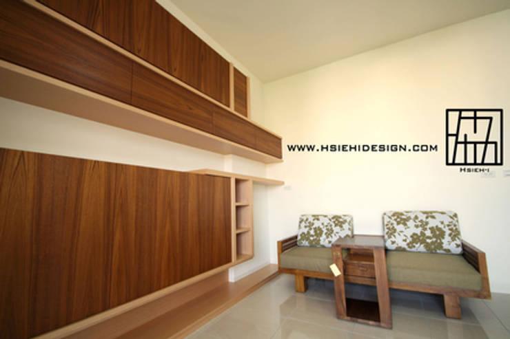 書房:  書房/辦公室 by 協億室內設計有限公司