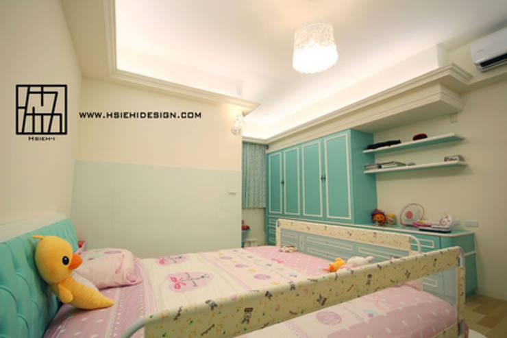 小孩房:  嬰兒房/兒童房 by 協億室內設計有限公司