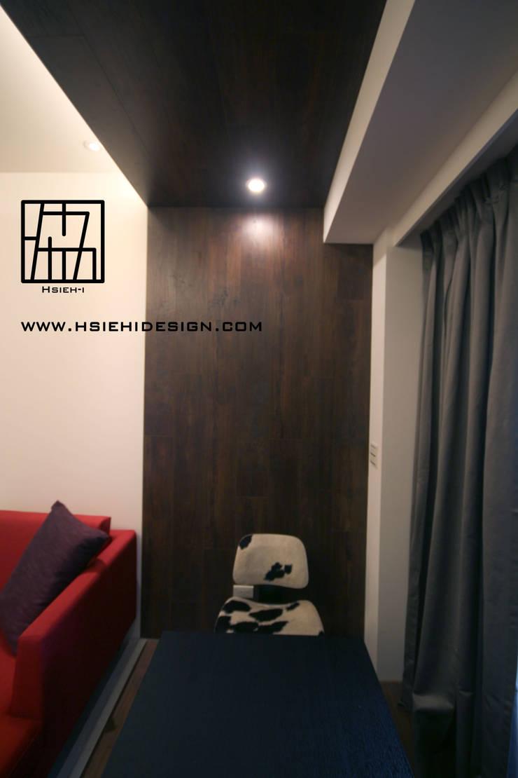 Media room by 協億室內設計有限公司,