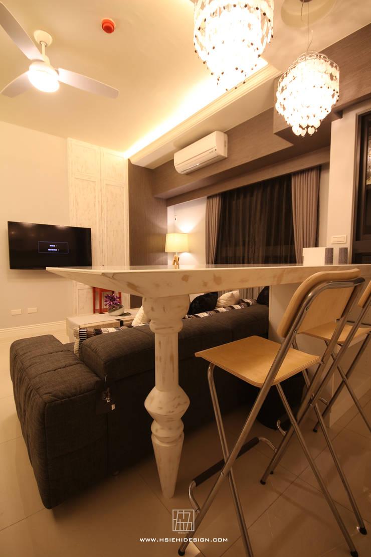 餐桌設計:  餐廳 by 協億室內設計有限公司