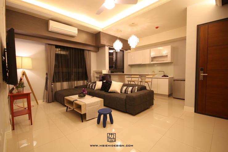 客廳與開放式廚房:  客廳 by 協億室內設計有限公司