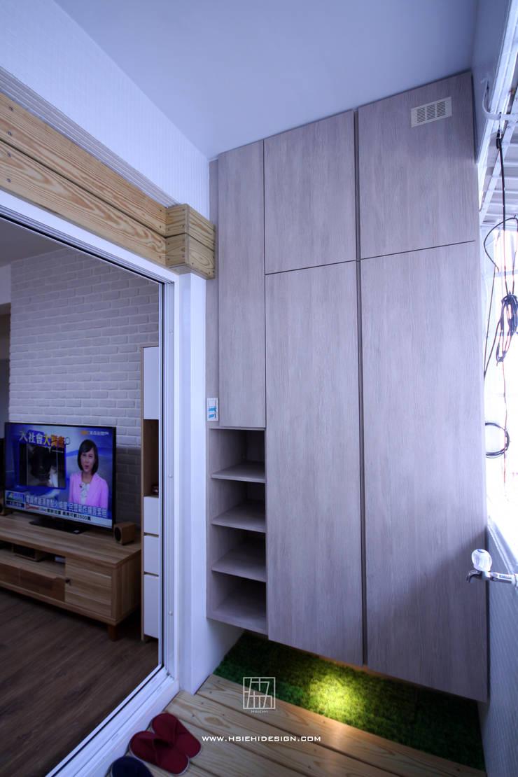 玄關:  走廊 & 玄關 by 協億室內設計有限公司