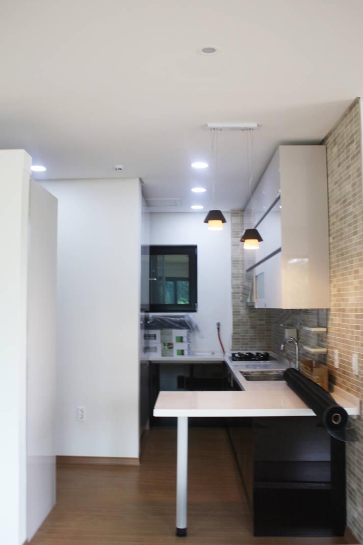 주방: 디자인랩 소소 건축사사무소의  주방