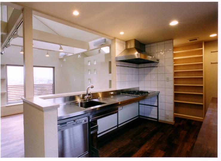 Cocinas eclécticas de 豊田空間デザイン室 一級建築士事務所 Ecléctico