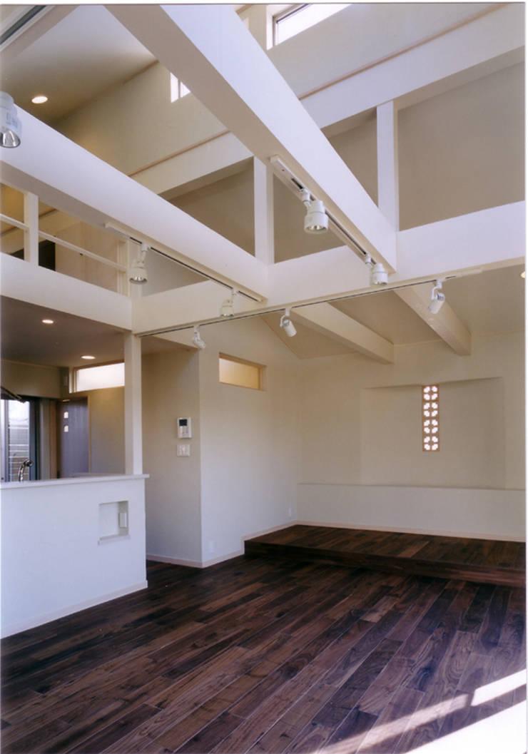 de 豊田空間デザイン室 一級建築士事務所 Ecléctico