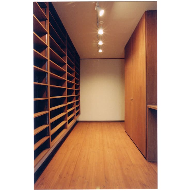 Estudios y oficinas eclécticos de 豊田空間デザイン室 一級建築士事務所 Ecléctico