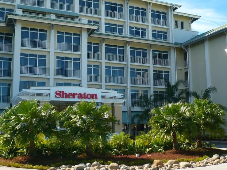 SHERATON BIJAO BEACH HOTEL - PLAYA BLANCA, PANAMA: tropical Garden by TARTE LANDSCAPES
