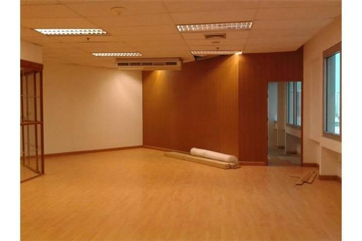 งาน renovate office. ตึก IT PRO:   by Kaewkusol