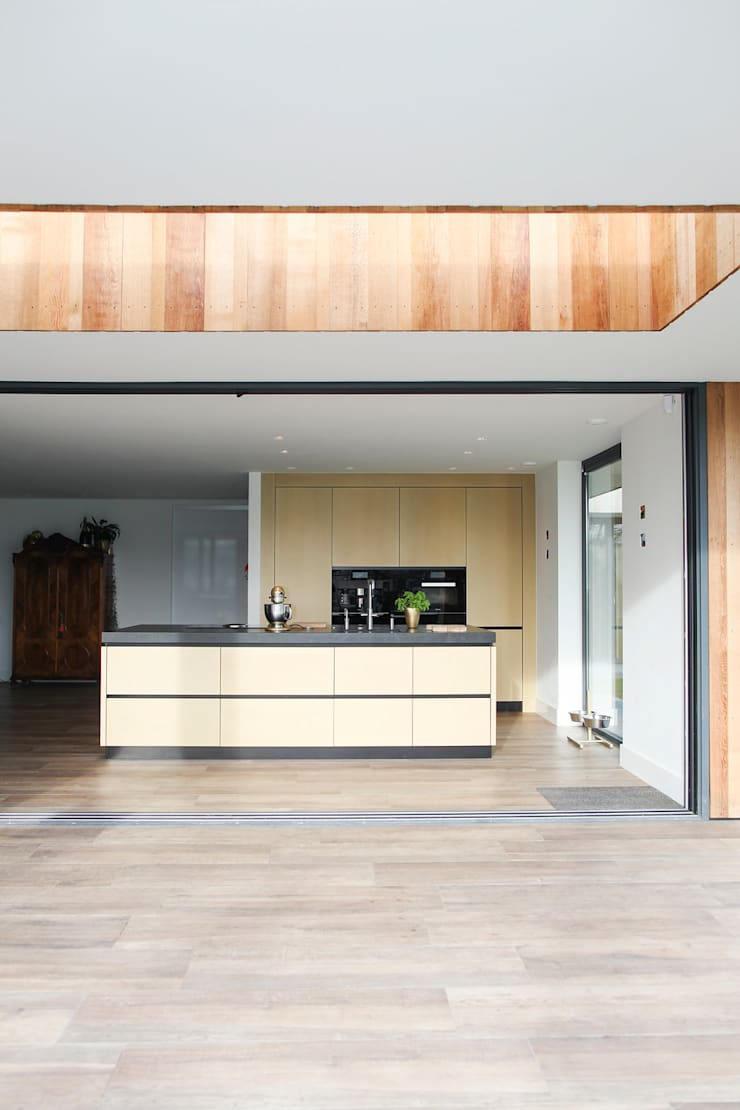 Keuken goud metallic:   door Wood Creations