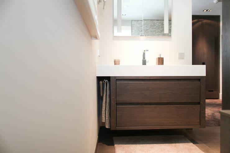 Strak Landelijke Badkamer : Strak landelijke badkamer modern strakke badkamer de jong sanitair