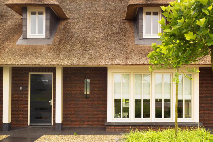 aannemer-zeeland-architect-uden:   door Arceau Architecten B.V.