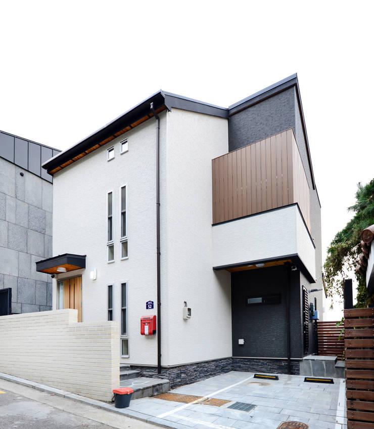 Maisons de style  par 코원하우스