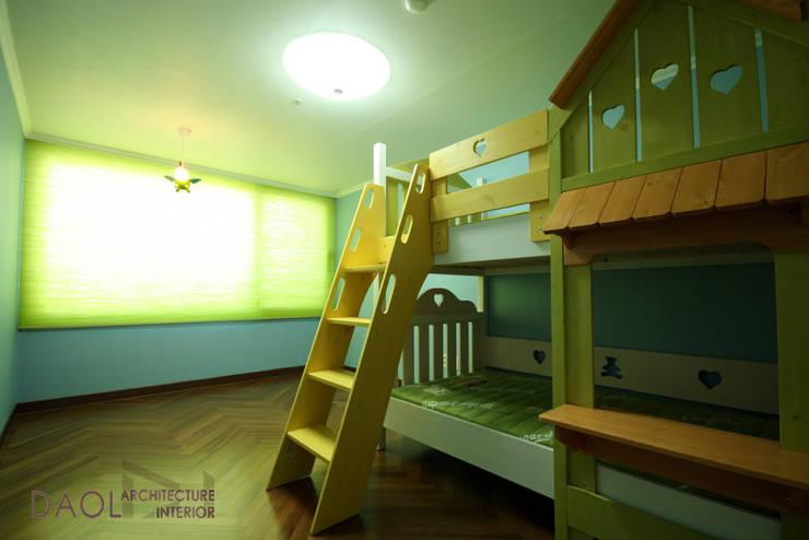 KCC 아파트: 다올디자인의  침실,