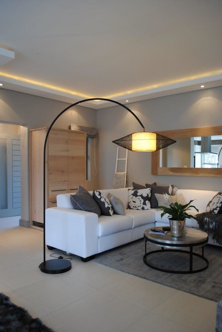 Lounge:  Living room by Salomé Knijnenburg Interiors