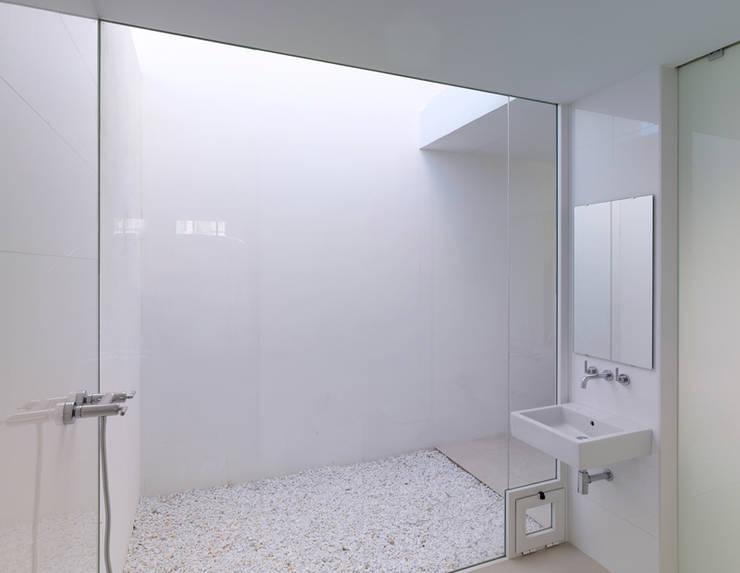 Baño: Baños de estilo  por Vila Suárez, Minimalista