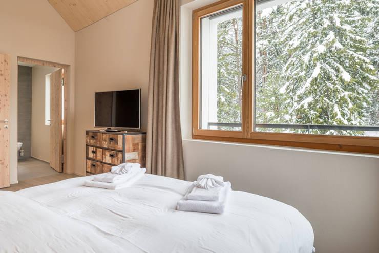 Alpine Interiors 2:  Bedroom by FVDB Photography