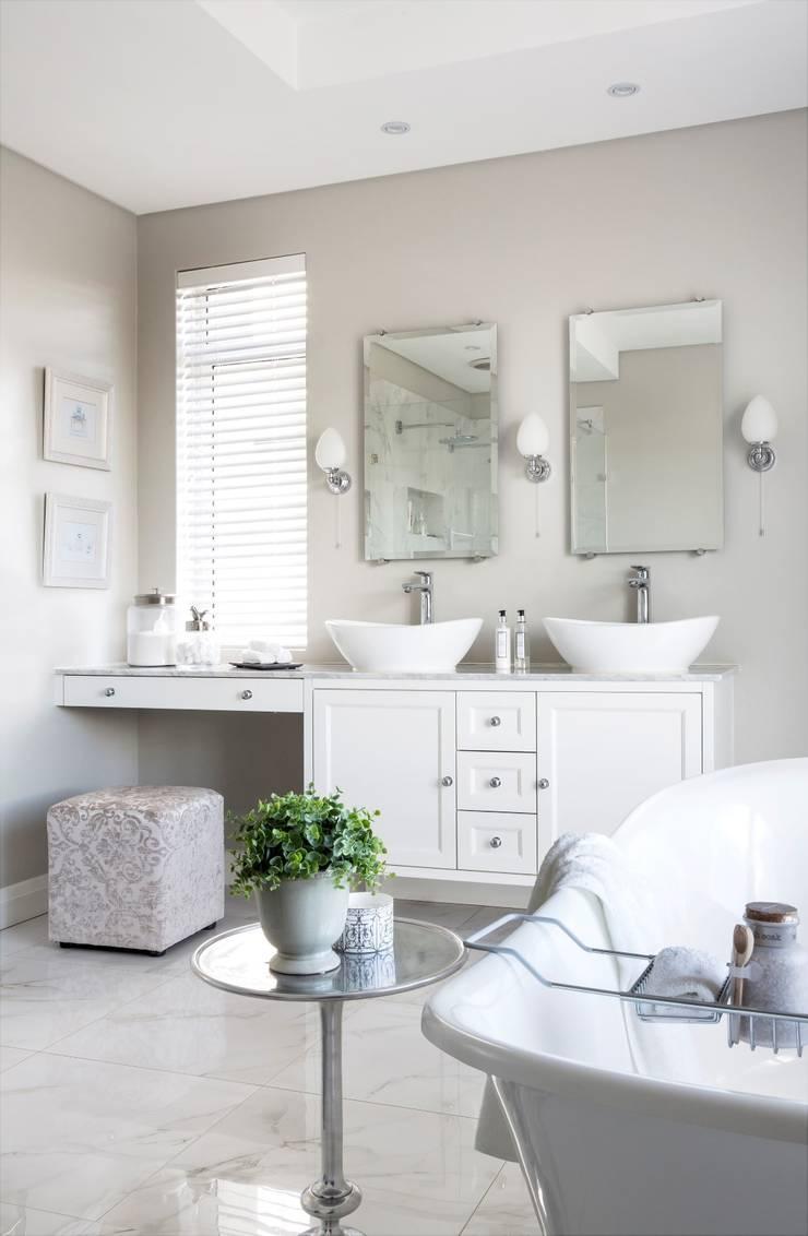 Bathroom:  Bathroom by Salomé Knijnenburg Interiors